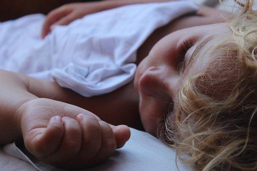 Idealny materac dla dziecka, czyli jaki?